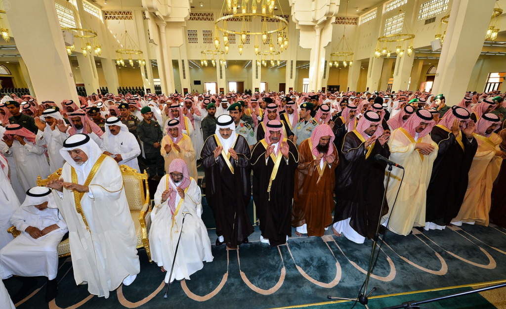 Prince Muqrin bin Abdulaziz Performs Funeral Prayer for Soul of Al-Khowaiter (2)