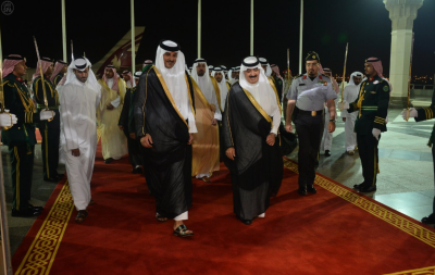 Emir of Qatar arrives to Jeddah
