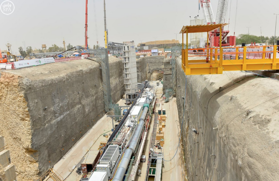 Emir of Riyadh region, called the work in the first giant tunnel boring machines within King Abdulaziz project for public transport1